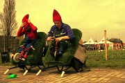 « THE PERKY AND FIDDLE SHOW », a Garden Gnome Street Theatre Show by Perky & Fiddle – Holland