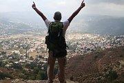 Hiking Lamartine valley with Hikingo