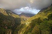 Hiking in Jabal moussa reserve with Hikingo