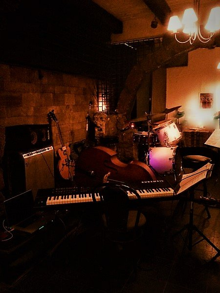 JAZZ! - Live every Friday at Caravanserail « Lebtivity