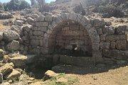 Hiking Deir el Qamar with Golden Feet